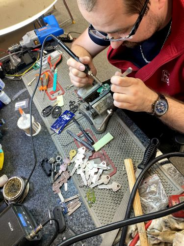 opravujeme poškozené autoklíče