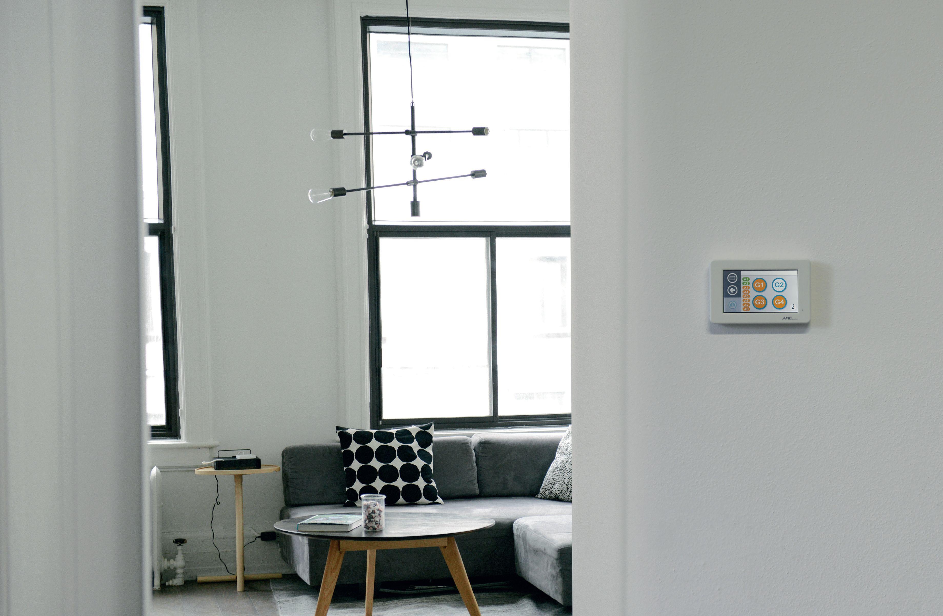 AMC tablet UNIKA na zdi